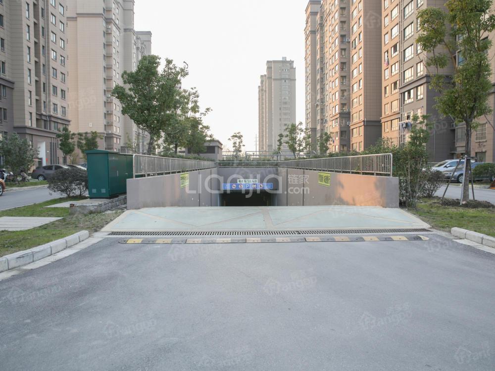 兰泾花苑小区图片
