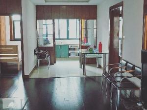 东明花苑 3室2厅2卫