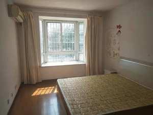新南家园 3室2厅2卫