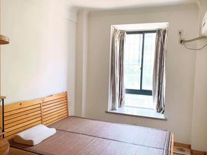 东方新城 2室2厅1卫