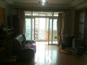 金龙东苑 3室2厅2卫