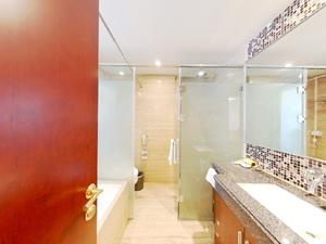 静安紫苑 1居 朝东 电梯房 靠近地铁 满五唯一