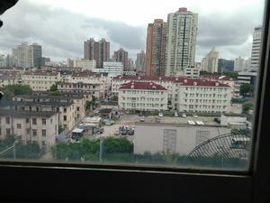 建工大楼 2居 朝南 电梯房 靠近地铁