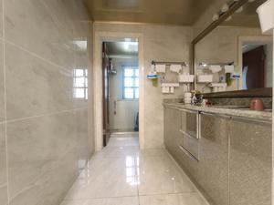 华钜御庭二期(公寓) 4居 朝南北 电梯房 靠近地铁 满五唯一