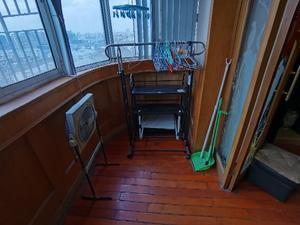 中亚公寓 3室2厅1卫