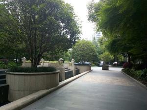 三花现代城香梅苑小区图片