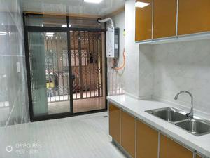 香博城 2居 朝东南 电梯房