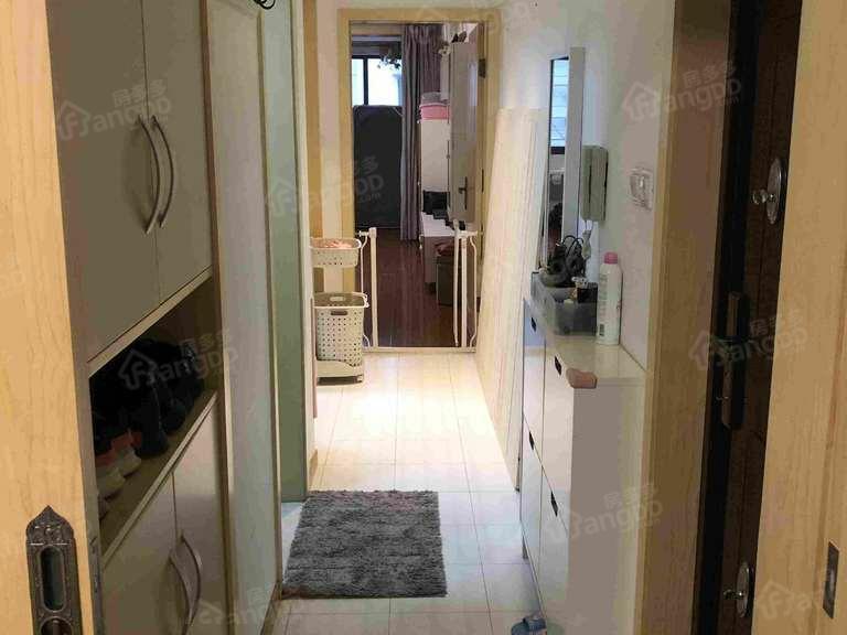 上南二村 房东置换本小区三房,诚心出售,随时恭候您的到来。