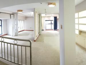 巴南万达广场 4居 朝南北 电梯房 靠近地铁
